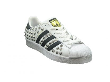 E19 Adidas Superstartotalborchiebiblak 2 P.jpg