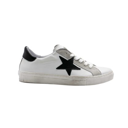 E21 Pierrot Unew Stars White Black 1 P 1.jpg