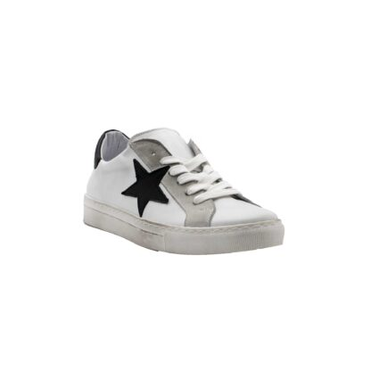 E21 Pierrot Unew Stars White Black 2 P 1.jpg