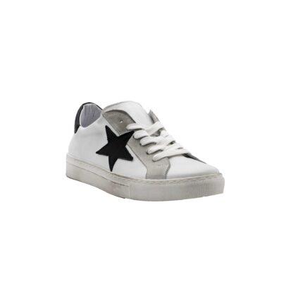 E21 Pierrot Unew Stars White Black 2 P 3.jpg